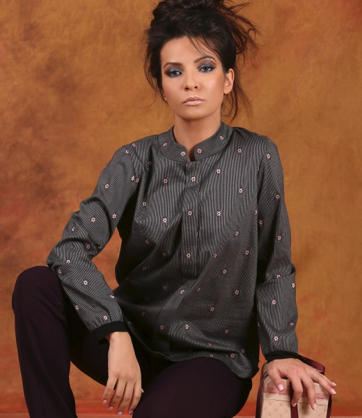 Elegant blouse with long sleeves embellished with crystals from Swarovski<sup style=font-size:0.5em></sup>