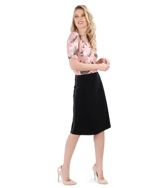 Flaring velvet skirt with printed jersey blouse