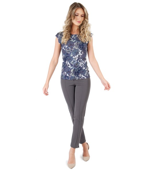 Elegant outfit with ankle pants and printed elastic jersey