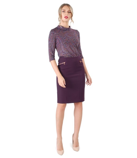 Office skirt with decorative zipper and printed jersey blouse