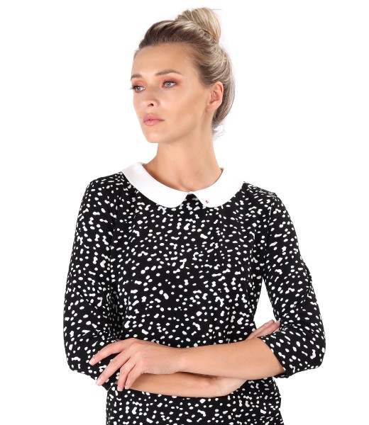 Blouse with round collar and inserts of Swarovski crystals