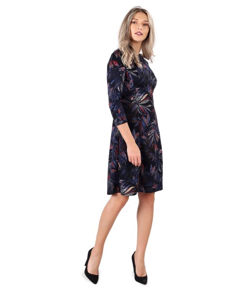 Elegant dress made of thick elastic jersey