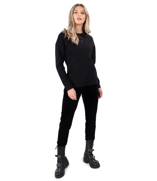 Casual outfit with blouse made of thick cotton and velvet pants