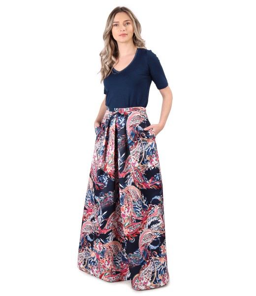 Smart/casual outfit with long skirt and elastic jersey blouse