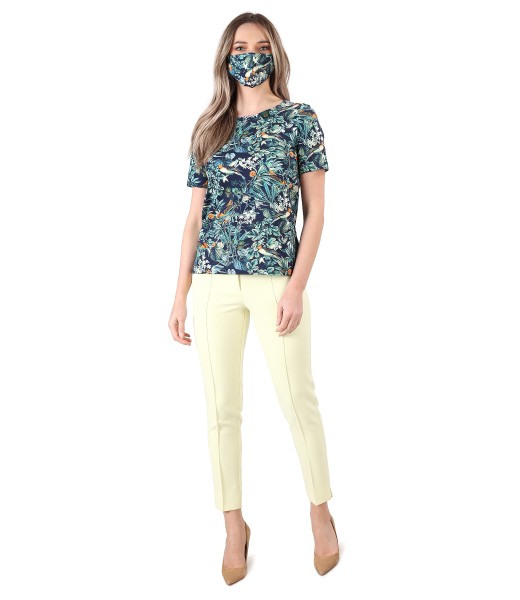 Elegant outfit with elastic cotton blouse and ankle pants